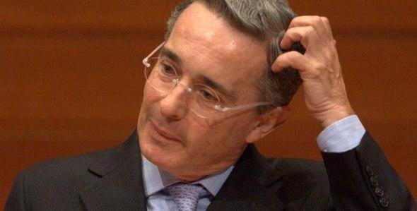 Familias de víctimas colombianas rechazan visita de Uribe a Medellín