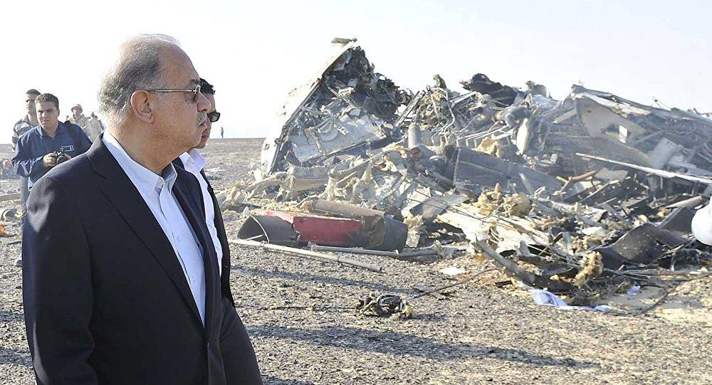 Primeras fotos desde el lugar del siniestro del avión en el Sinaí en el que murieron 224 personas