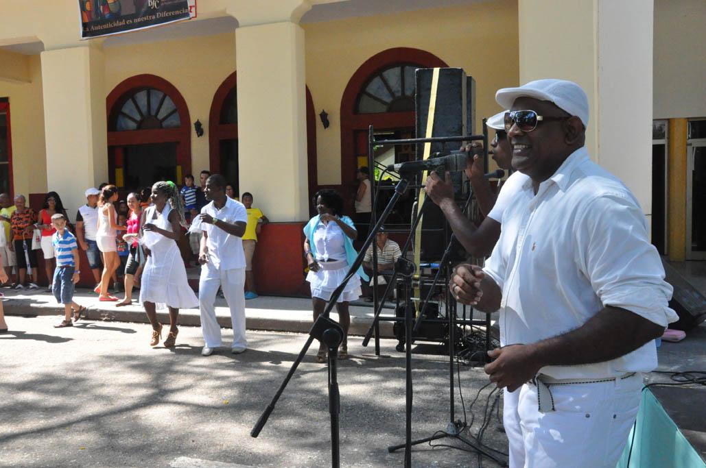 La rumba, ritmo de raíz afrocubana late en la Fiesta de la Cubanía (+ fotos)