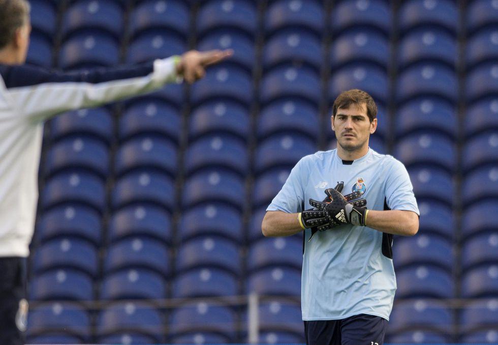 Casillas logra el récord de imbatibilidad en la Champions