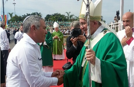 David Prinstein junto al Papa Francisco