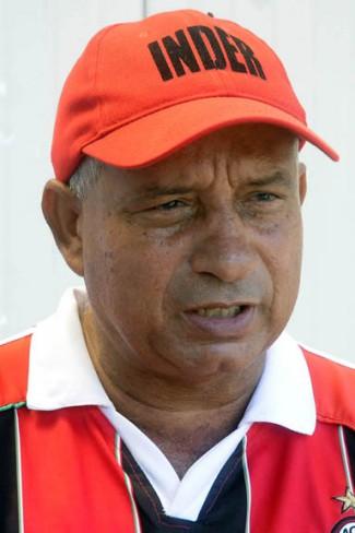 Fonseca Cañete, al frente de los casi 600 trabajadores del sector y cuatro combinados deportivos, afirma que Yara es un municipio estratégico para la provincia / FOTO Luis Carlos Palacios Leyva