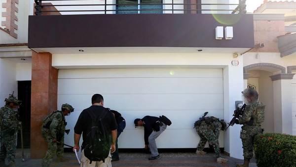"""Incautan casas, avionetas, armas y droga de """"El Chapo"""" Guzmán"""