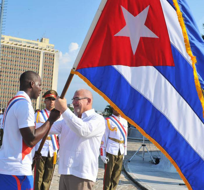 Abanderan equipo cubano de béisbol a torneo mundial Premier 12