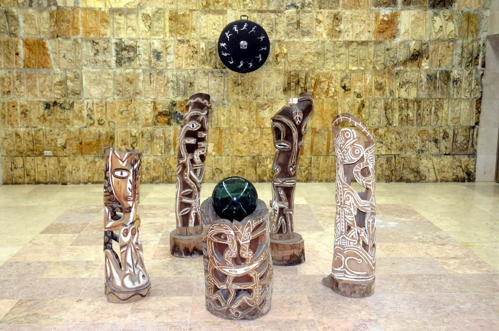 Exhiben exposición de Premios Nacionales de Artes Plásticas, en Bayamo