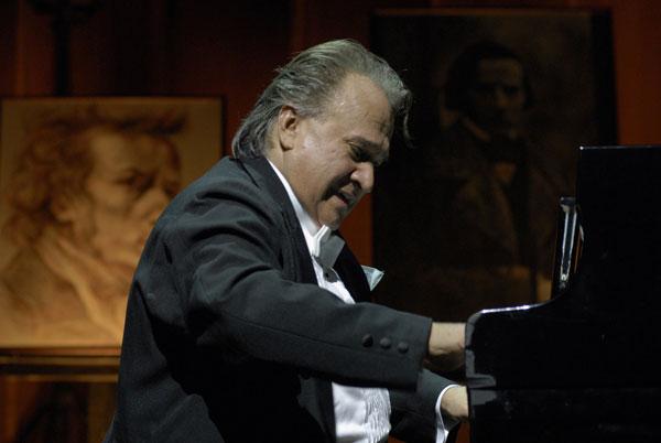 Mozart en Cuba, un regalo del pianista Frank Fernández