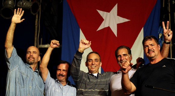 Héroes cubanos viajan hacia Bolivia