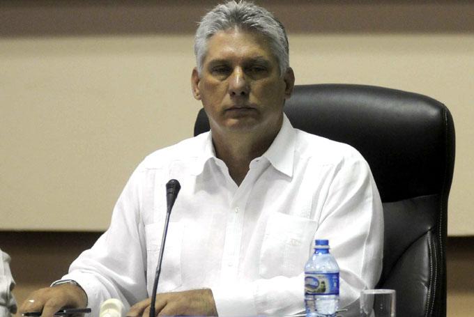 Considera Díaz-Canel necesario el estudio de Revolución cubana