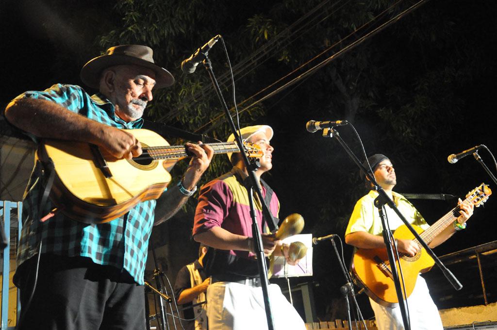 Pancho Amat calienta pista en Bayamo