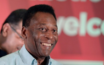 Brazilian former footballer Pele attends a press conference in Kolkata on October 12, 2015. The football legend is on a three-day visit to the city. AFP PHOTO / DIBYANGSHU SARKAR | DIBYANGSHU SARKAR