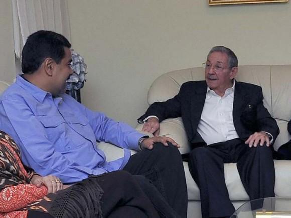 Se reúnen Raúl y el presidente Maduro