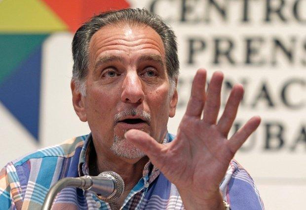 La historia condenará a autores del crimen de Barbados, René González