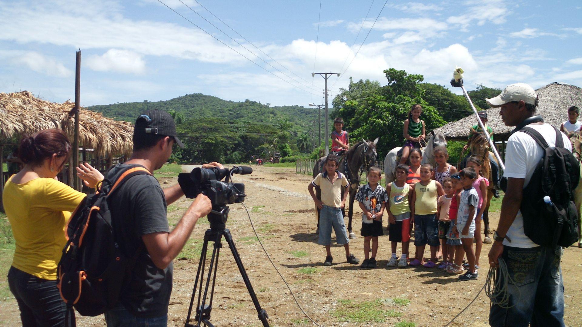 Finaliza cruzada de audiovisuales en Media Luna, Granma