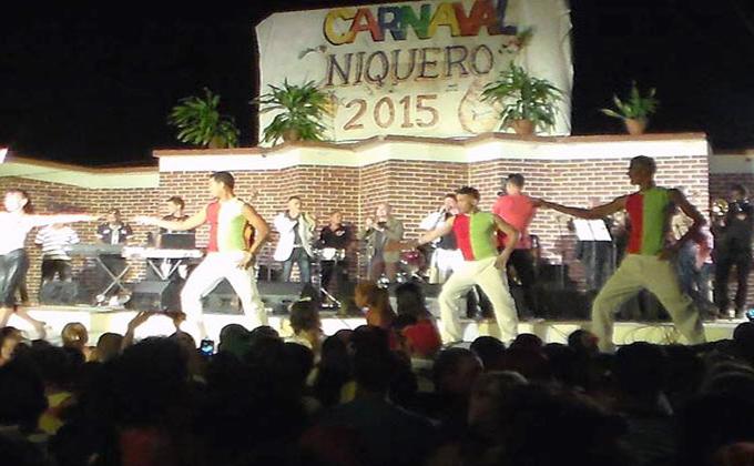 Compañía Clásicos de Cuba ofreció espectáculo de variedades en Niquero