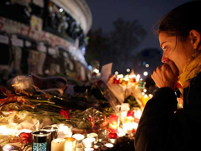 Se eleva a 130 cifra de muertos por atentados en la capital francesa