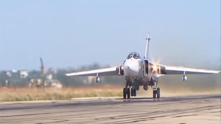 El potente bombardero ruso Su-24M entra en acción en Siria