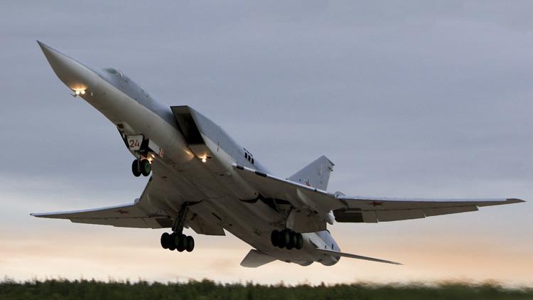 Tu-22M3 carga contra el Estado Islámico