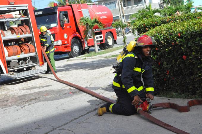 Concluyen actividades por aniversario 319 de los bomberos