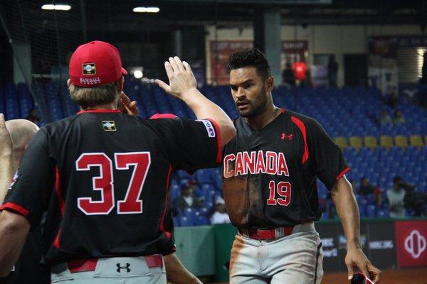 Canadá vs Cuba Premier 12