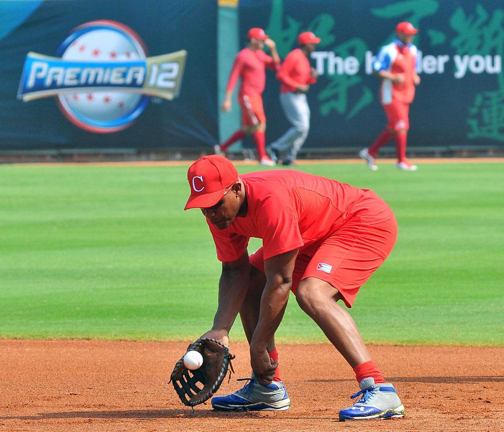 Cuba se prepara para debutar en el Premier 12 (fotos)