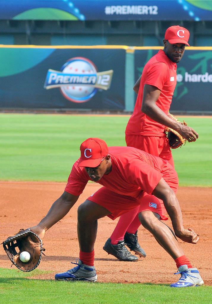 Beisbol-Cuba-entrenamiento-super12