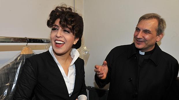 Francesca Chaouqui junto al sacerdote español Vallejo Balda, los dos serán juzgado-AFP
