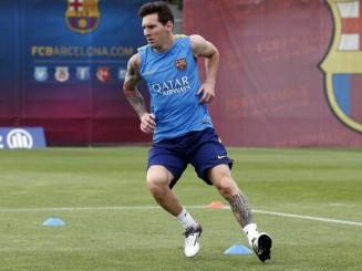 Lionel Messi acelera entrenamiento para el clasico
