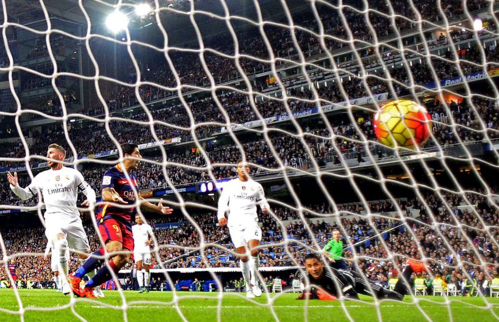 Luis Suarez marca el primer gol al Real Madrid