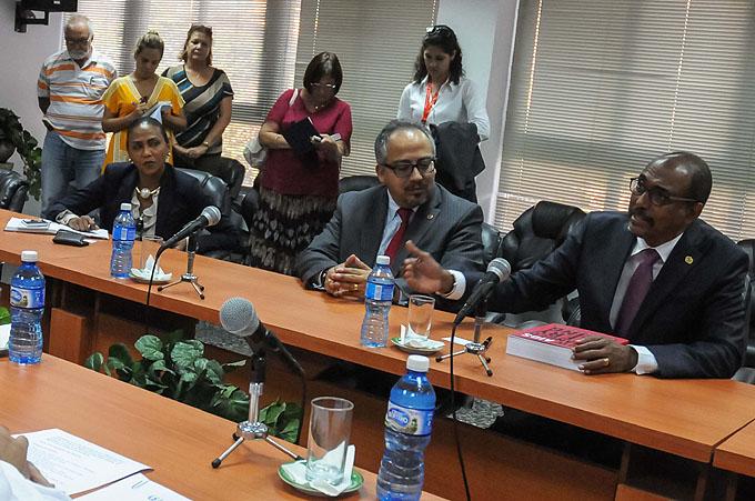 Experto de ONU elogia logros de Cuba en prevención del sida