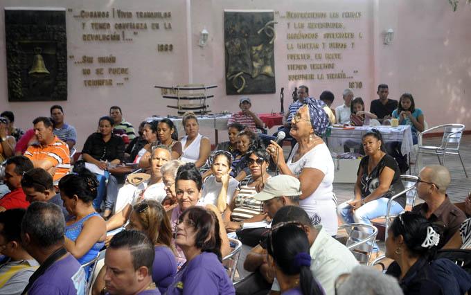 Desarrollan taller sobre proyectos comunitarios en Granma