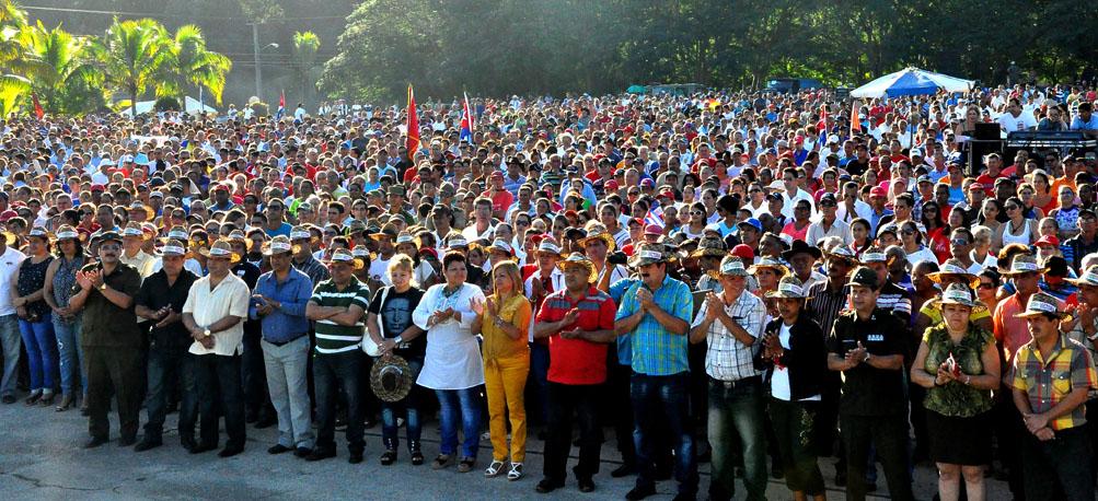 Celebran aniversario 57 del triunfo de la Revolución