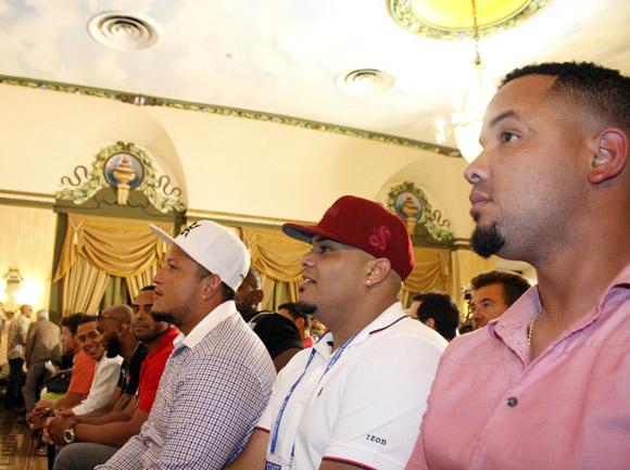 Grandes Ligas quiere estrechar relación con Federación Cubana de Béisbol (+ Fotos)