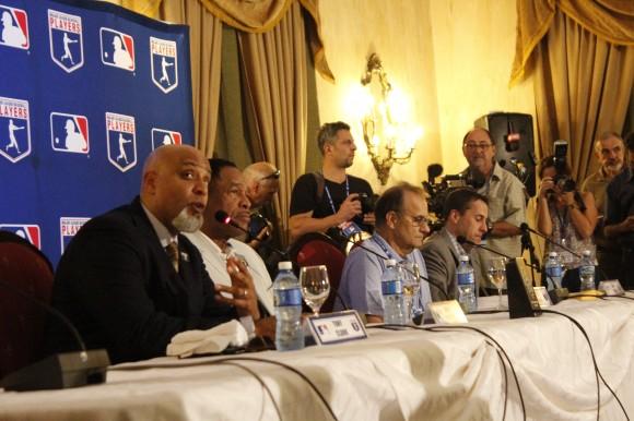 De izq a der. Tony Clark, Dave Winfield, Joe Torres y Dan Halen. Foto: José Raúl Concepción/Cubadebate.
