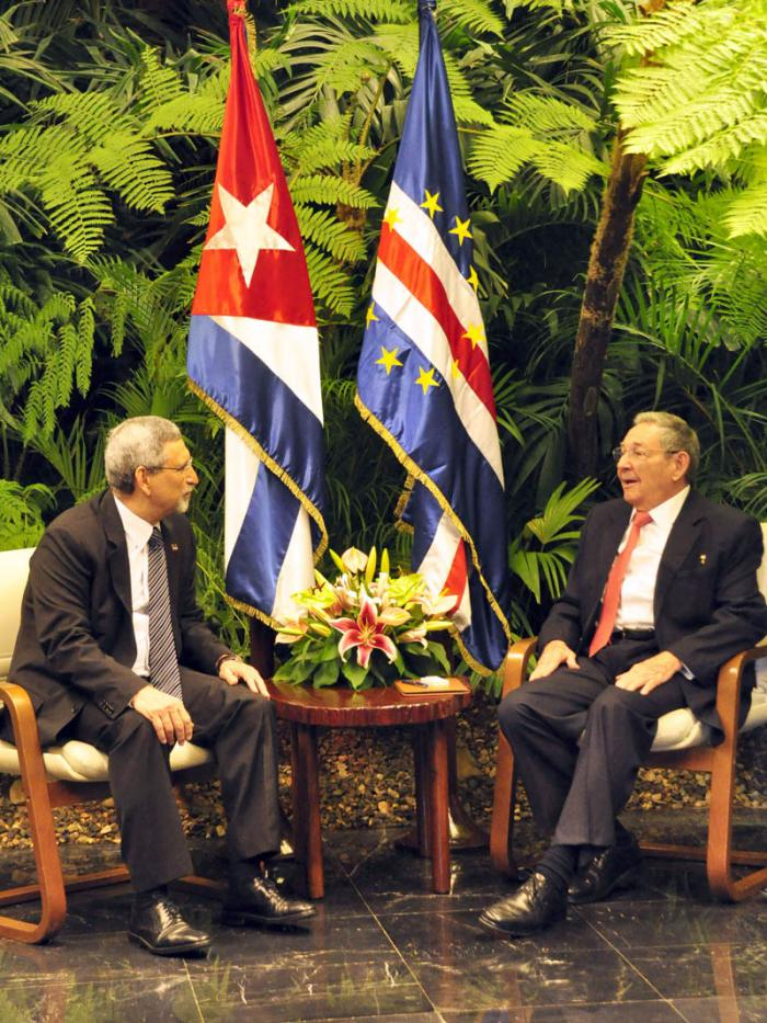 Jorge Carlos de Almeida Fonseca y Raúl Castro