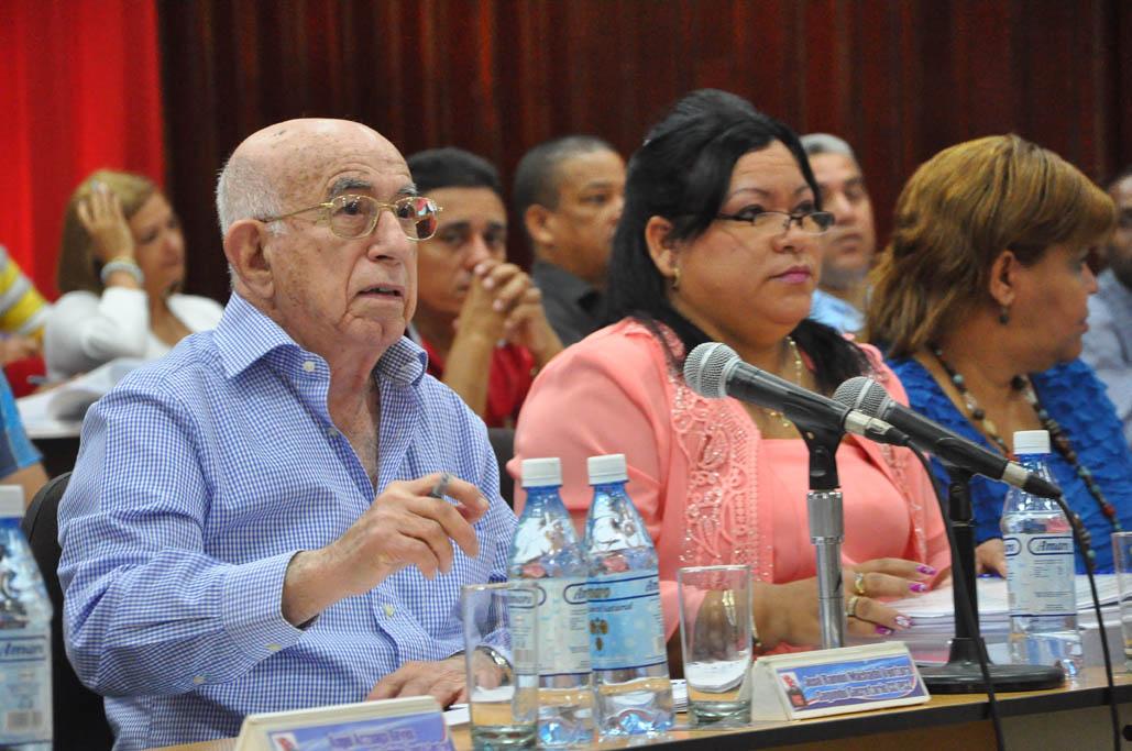 Preside Machado Ventura Asamblea del Partido en Granma