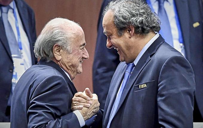 La FIFA suspende por ocho años a Blatter y Platini