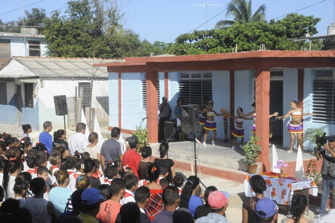 Inauguran obras de beneficio social en Granma