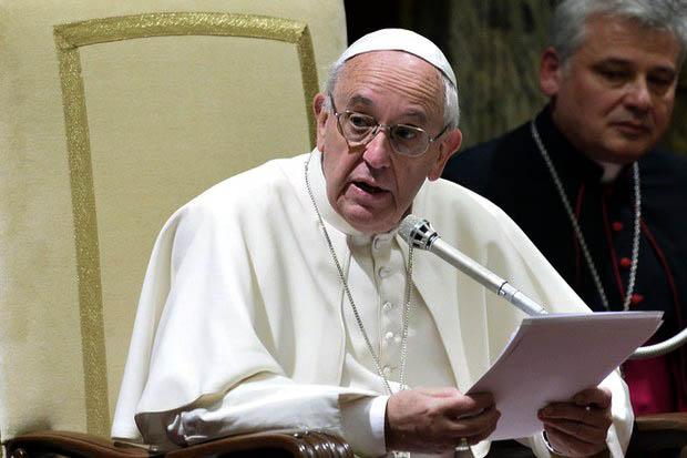 Papa Francisco acepta recibir premio Carlomagno 2015