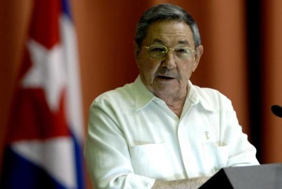 Convoca Raúl a enfrentar los problemas sin espacio al derrotismo