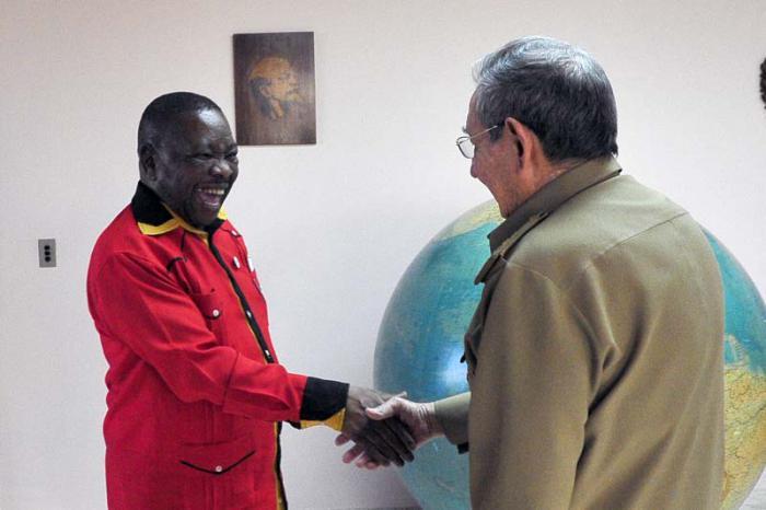 Raúl Castro y Blade Nzimande