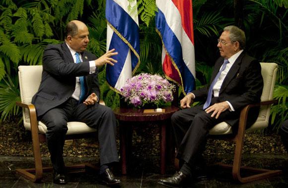 Raúl Castro y Luis Guillermo Solís