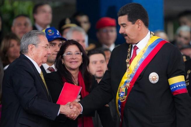 """Raúl a Maduro: """"Estaremos siempre junto a ustedes"""""""