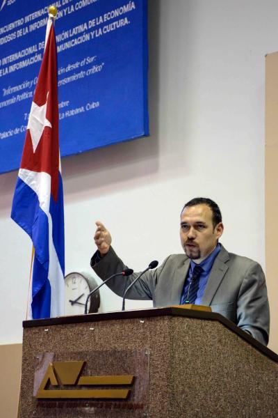 Cierra ICOM 2015 con invitación a expandir y concretar propuestas