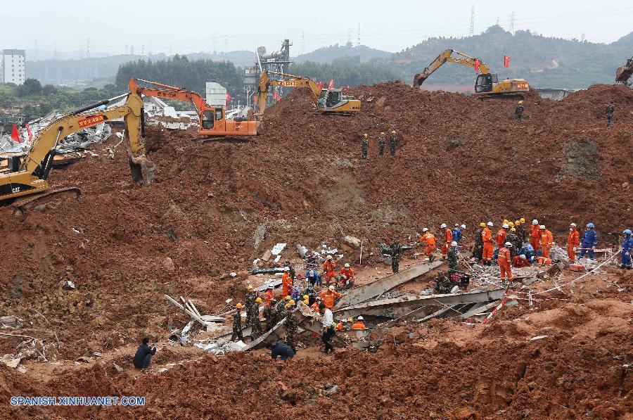 Baja a 76 cifra de desaparecidos en deslizamiento de tierras en sur de China