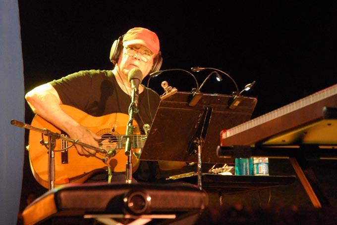 Silvio Rodríguez promociona su nuevo disco Amoríos