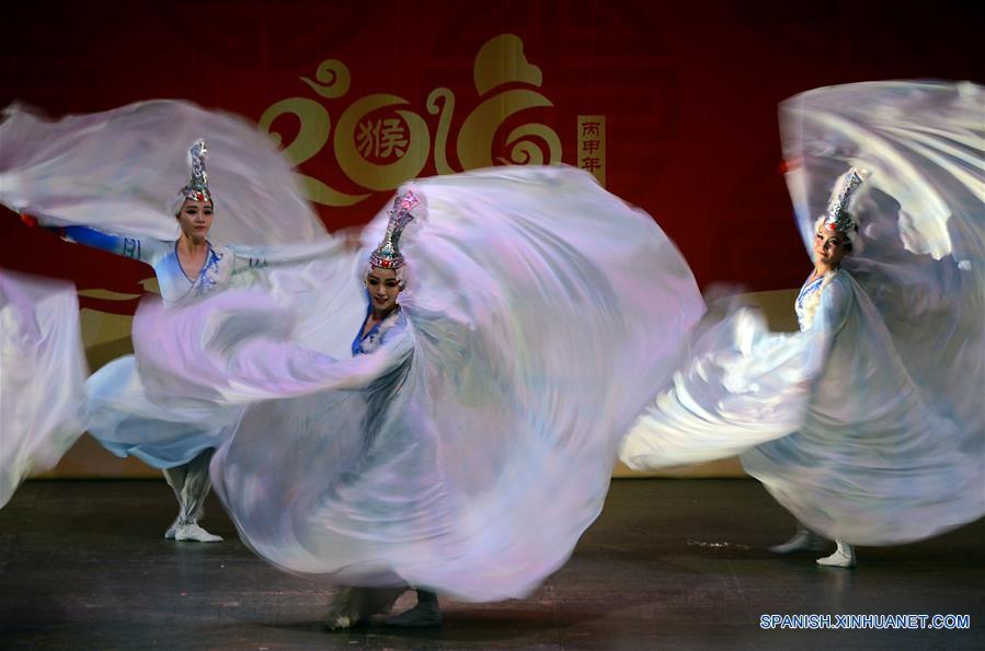 Grupo artístico chino se presenta en Cuba por Año Nuevo Lunar