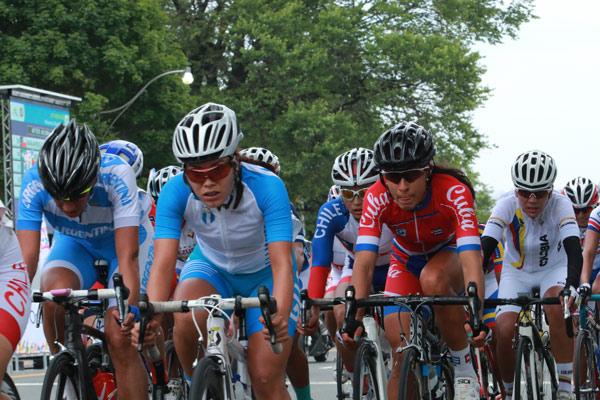 Ciclistas cubanas hacia Argentina