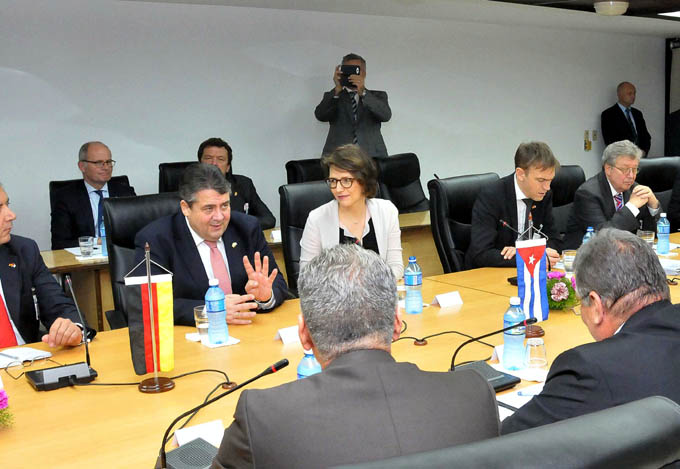 Sostiene encuentro Marino Murillo Jorge con Sigmar Gabriel, Vicecanciller Federal Alemán.