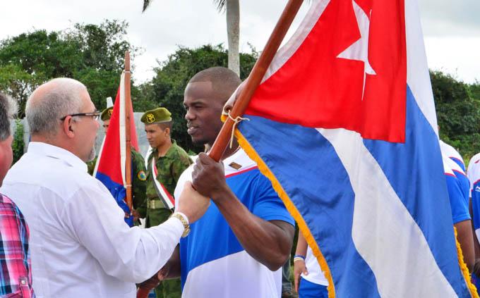 Abanderan equipo Cuba de Béisbol en histórico sitio avileño