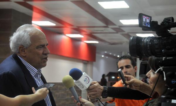 Arriba a Cuba secretario de Unasur para evento sobre José Martí